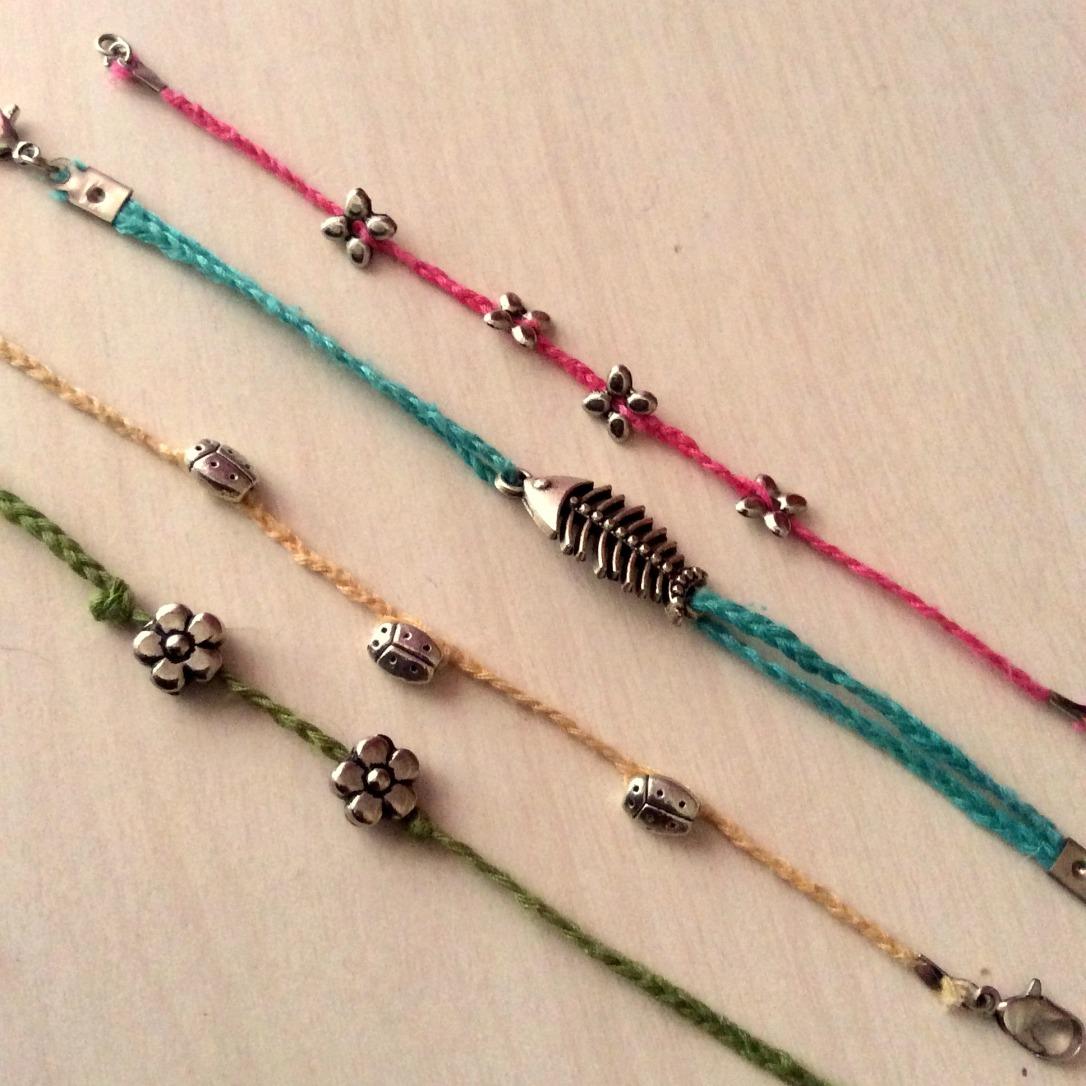 Dikiş İpliğinden Bileklik / The Bracelets made of Sewing Yarn