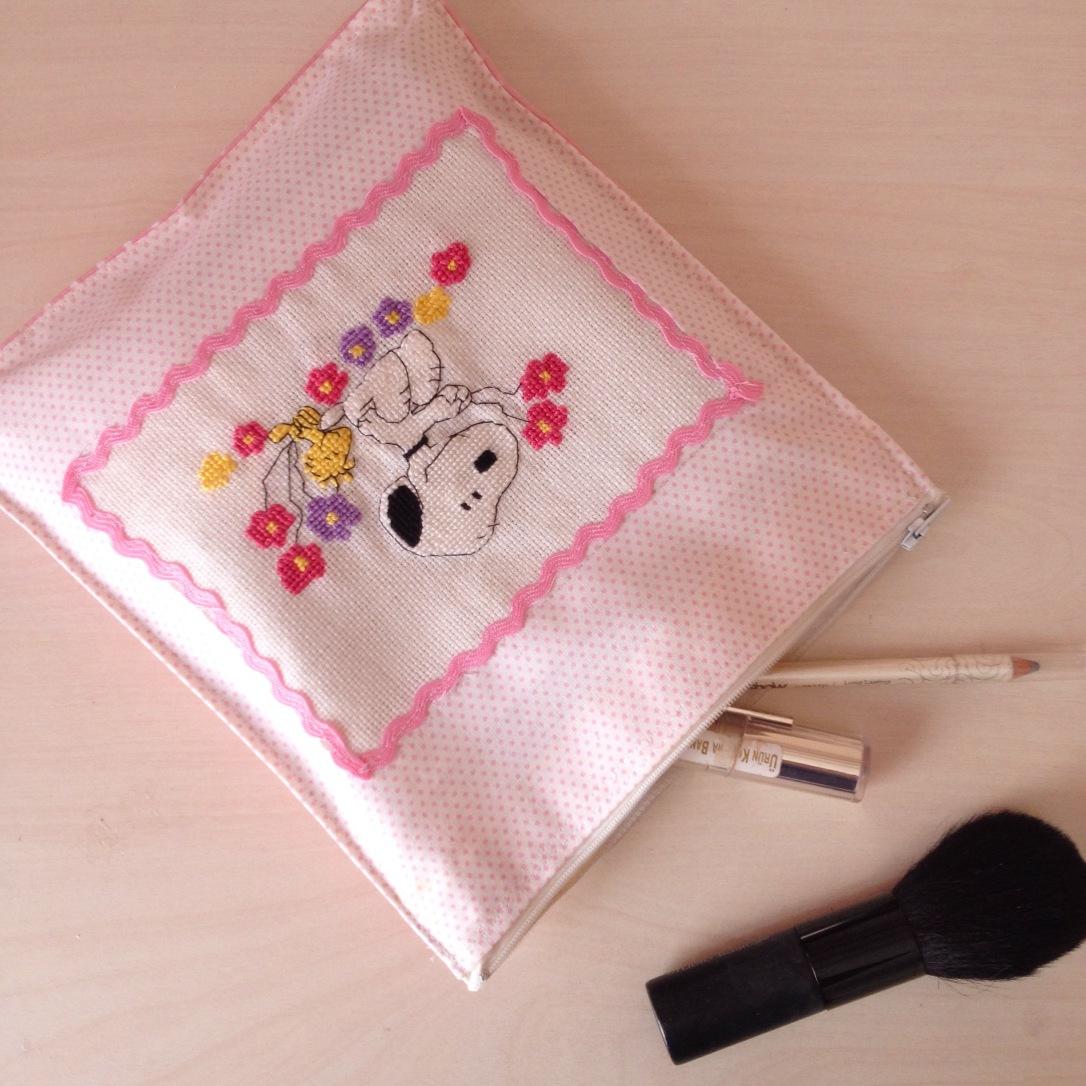 Kanaviçe İşlemeli Makyaj Çantası / Makeup Bag with Cross Stitch