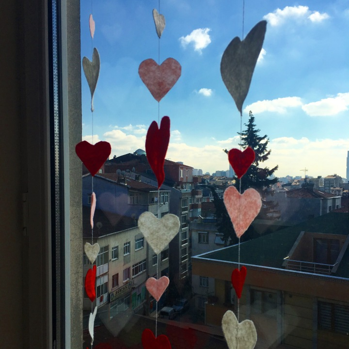 Kalpli Şeritler / Heart Garlands